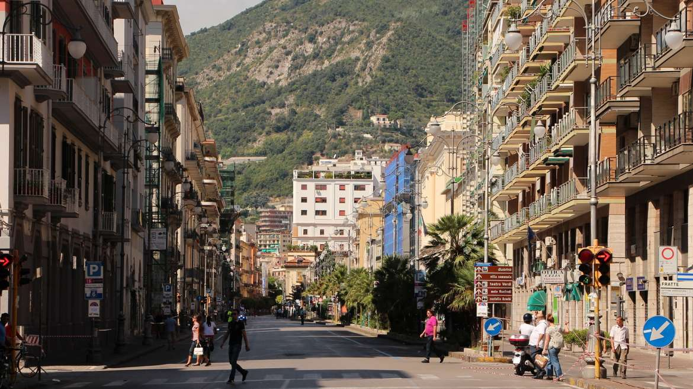 Come chiamare e prendere un taxi a Salerno